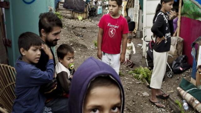 Sapte romi au castigat in instanta dreptul de a ramane in Franta