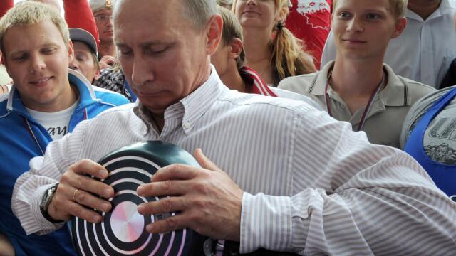 Vladimir Putin indoaie tigai