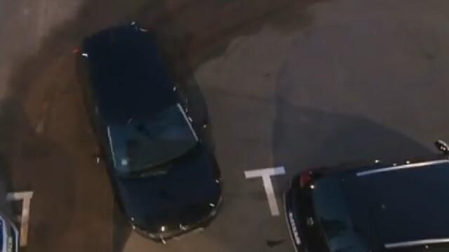 VIDEO. A reusit o parcare laterala incredibila, intr-un spatiu cu doar 26 cm mai mare decat masina