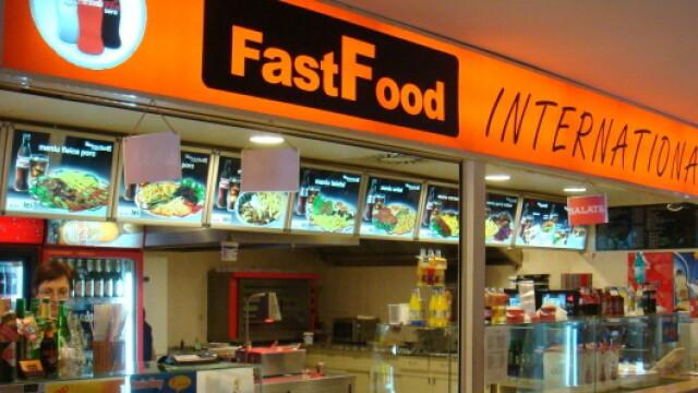 Meniul de fast-food pe care NU iti permiti sa-l comanzi: burger de 666 dolari si hot dog de 2.300