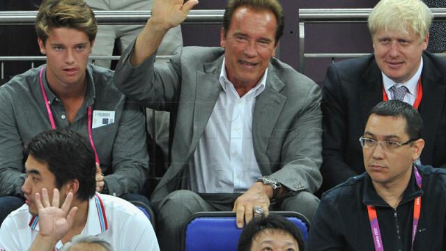 Victor Ponta, alaturi de Arnold Schwarzenegger, la finala olimpica de la baschet. Galerie FOTO - Imaginea 2