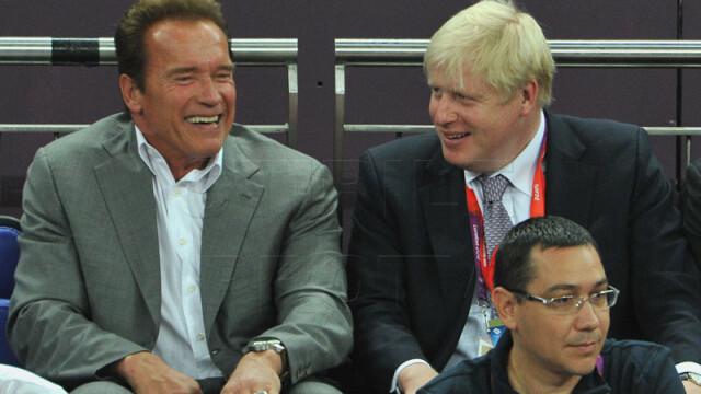 Victor Ponta, alaturi de Arnold Schwarzenegger, la finala olimpica de la baschet. Galerie FOTO - Imaginea 4