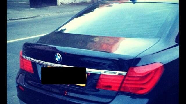 FOTOGRAFIA ZILEI. Ce numar are acest BMW inmatriculat in Marea Britanie