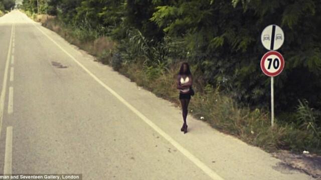 Prostituate, vanzari de arme si alte imagini spectaculoase surprinse de Street View. GALERIE FOTO - Imaginea 2