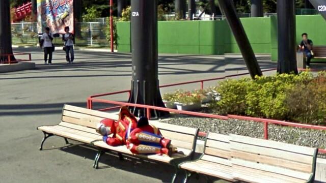 Prostituate, vanzari de arme si alte imagini spectaculoase surprinse de Street View. GALERIE FOTO - Imaginea 8