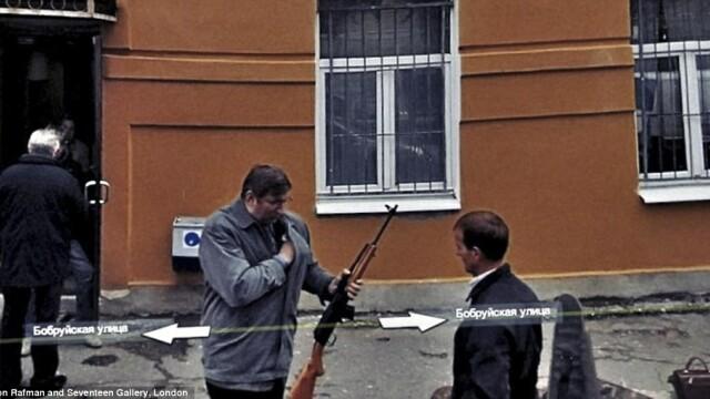 Prostituate, vanzari de arme si alte imagini spectaculoase surprinse de Street View. GALERIE FOTO - Imaginea 14