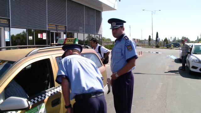 Taximetristii din parcarea Aeroportului Traian Vuia au fost verificati astazi de oamenii legii