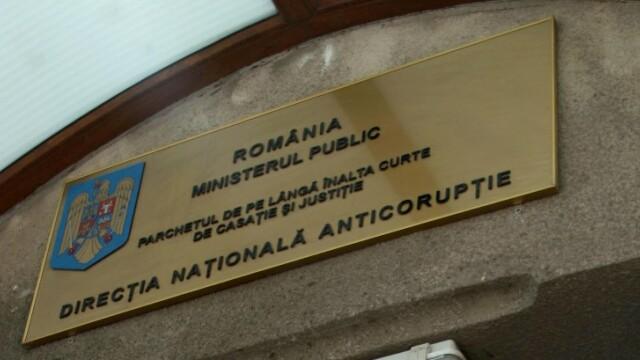 96 de persoane, printre care seful ISJ Ialomita si profesori, cercetati de DNA pentru fraude la bac