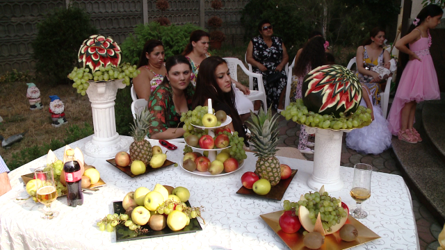 Rromii din Timisoara au dat o petrecere fastuoasa de Sfanta Maria,la care si-au expus bolizii de lux - Imaginea 11