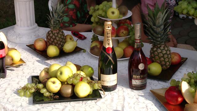 Rromii din Timisoara au dat o petrecere fastuoasa de Sfanta Maria,la care si-au expus bolizii de lux - Imaginea 16