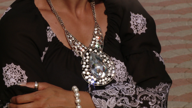 Rromii din Timisoara au dat o petrecere fastuoasa de Sfanta Maria,la care si-au expus bolizii de lux - Imaginea 18