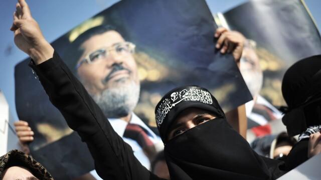 Patru statii TV din Egipt, intre care si filiala Al Jazeera, inchise din cauza simpatiilor politice