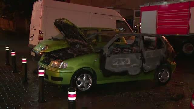 Trei masini, distruse de un incendiu pus intentionat, in Pitesti. Ancheta e in desfasurare