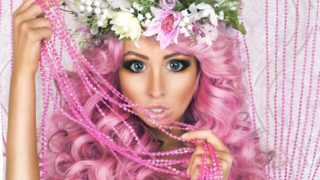 O noua Barbie umana vrea sa cucereasca lumea. Cum arata femeia cu