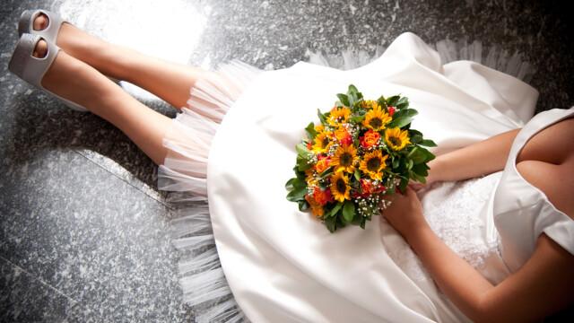A incercat sa se sinucida cand si-a vazut mireasa, la nunta aranjata de parintii lui. \