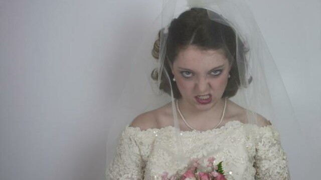 O viitoare mireasa a decis sa isi anunte pe Facebook prietenii pe care nu ii va chema la nunta. Cum a procedat