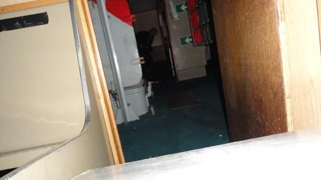 Aparitie misterioasa pe un vapor militar. Un barbat sustine ca ar fi surprins o \