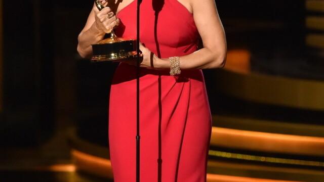 Moda la gala Emmy 2014: Vedetele au ales rosu si alb pentru defilarea pe covorul rosu - Imaginea 25
