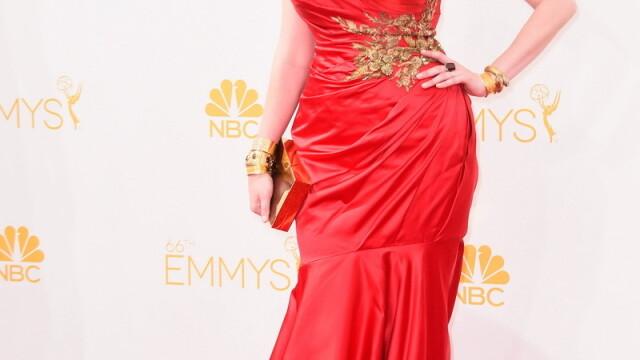 Moda la gala Emmy 2014: Vedetele au ales rosu si alb pentru defilarea pe covorul rosu - Imaginea 22