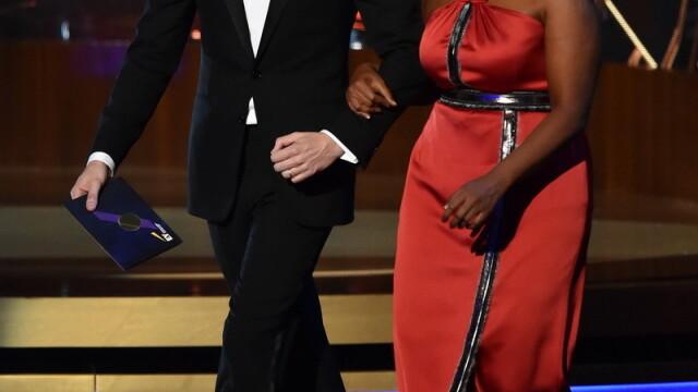 Moda la gala Emmy 2014: Vedetele au ales rosu si alb pentru defilarea pe covorul rosu - Imaginea 19