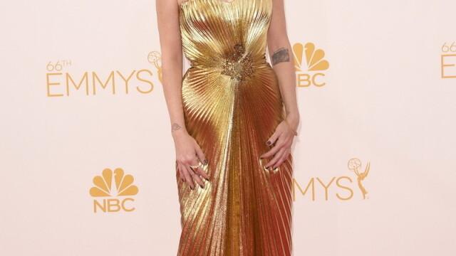 Moda la gala Emmy 2014: Vedetele au ales rosu si alb pentru defilarea pe covorul rosu - Imaginea 16