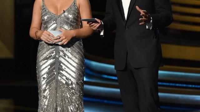 Moda la gala Emmy 2014: Vedetele au ales rosu si alb pentru defilarea pe covorul rosu - Imaginea 14