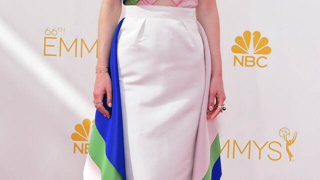 Moda la gala Emmy 2014: Vedetele au ales rosu si alb pentru defilarea pe covorul rosu - Imaginea 12