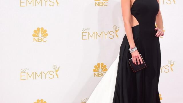 Moda la gala Emmy 2014: Vedetele au ales rosu si alb pentru defilarea pe covorul rosu - Imaginea 11