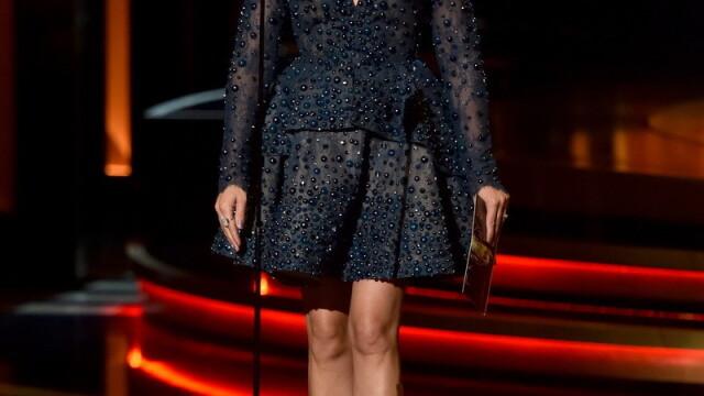 Moda la gala Emmy 2014: Vedetele au ales rosu si alb pentru defilarea pe covorul rosu - Imaginea 7