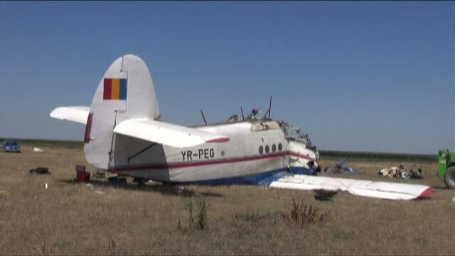 Procurorii incearca sa faca lumina in cazul avionului cazut in Braila. Marturia copilotului: \