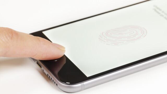Smartphone cu amprenta - SHUTTERSTOCK