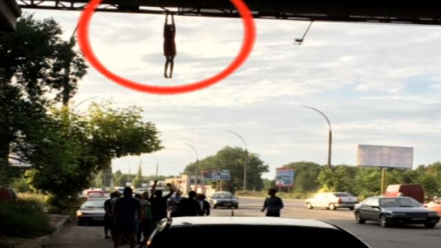 O tanara a incercat sa se arunce de pe un pod din Chisinau. Motivul pentru care a scapat ca prin minune