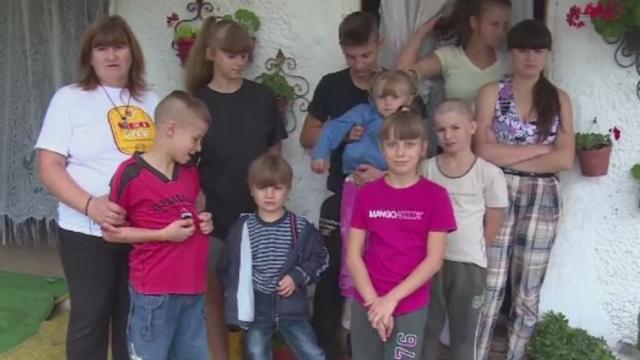 Lectia de viata, oferita de o familie nevoiasa din Targoviste, cu 10 copii. \
