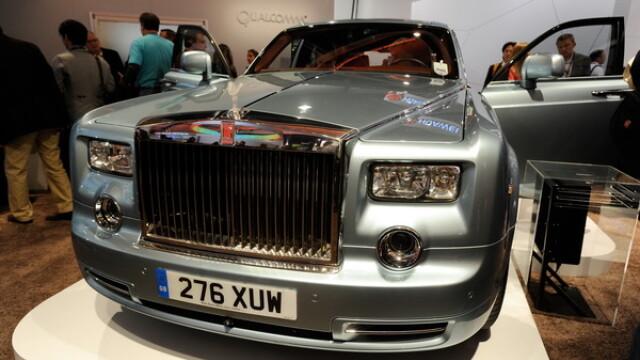 Cine sunt oamenii care detin peste 600 de masini Rolls-Royce, rezerve de petrol de trilioane dolari sau cel mai mare palat