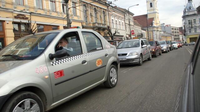 Patru soferi UBER, amendati la Cluj cu cate 25.000 de lei. Ce i-au facut taximetristii unui barbat, in trafic