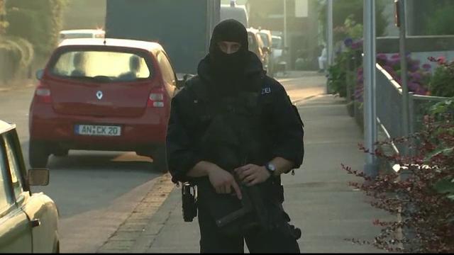 Franta si Germania adopta masuri de securitate speciale impotriva terorismului. Noi reguli privind refugiatii