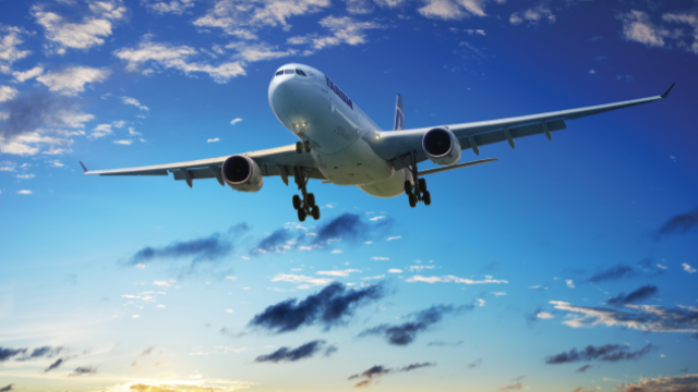 Tarom cumpara avioane noi. Cum arata aeronavele Boeing care vor intra in flota companiei pana la sfarsitul lunii mai. FOTO