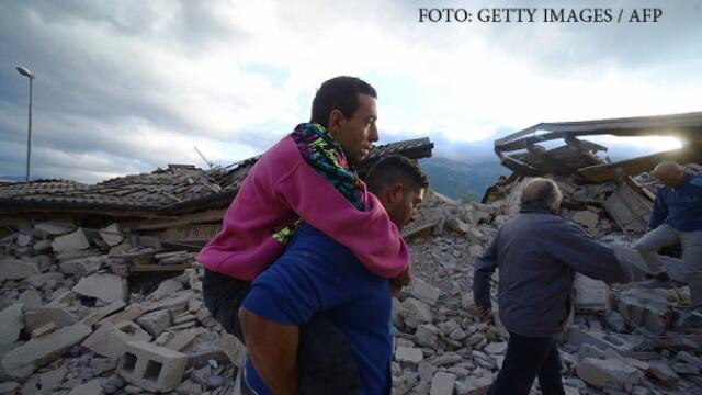 Cutremur devastator in Italia. Supravietuitorii sunt scosi de sub daramaturi