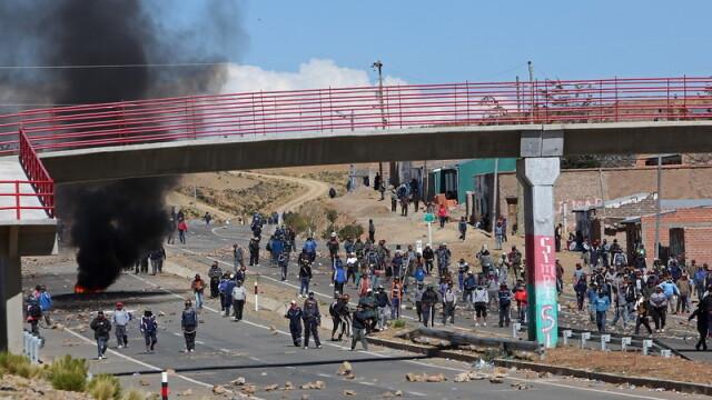 Adjunctul ministrului de interne din Bolivia, rapit si ucis in bataie de mineri in timpul unor proteste: \