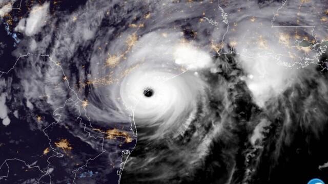 10 răniţi în Texas, după ce uraganul Harvey a lovit SUA. Furtuna continuă până luni - Imaginea 2