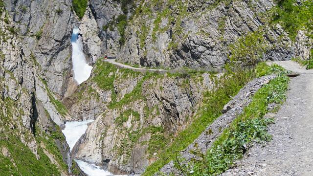 Cinci morţi şi un rănit grav, într-un accident montan în Austria