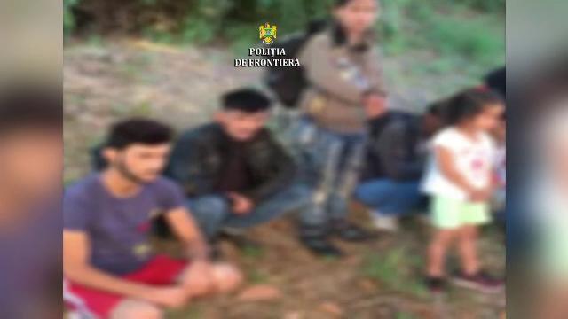 Egiptean prins în timp ce încerca să introducă ilegal în țară 11 migranți