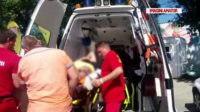 Un bărbat şi fiul său, răniţi după ce s-au izbit de stabilopozi, cu skyjetul cu care ieşiseră pe mare