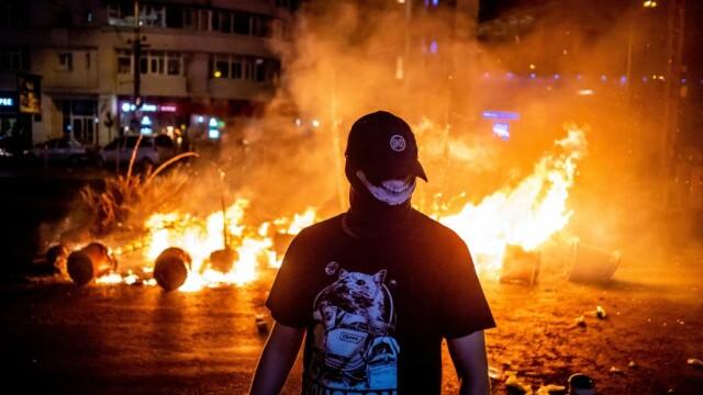 7 persoane, arestate preventiv pentru agresarea jandarmilor la protestul din 10 august