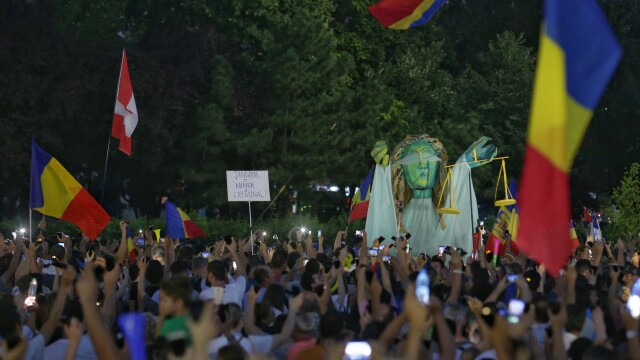 proteste în Piața Victoriei, ziua 2