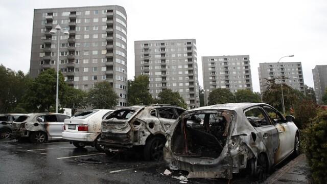 suedia, incidente, masini incendiate, arestari,