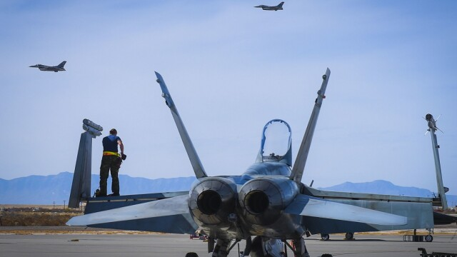 avioane canadiene CF-18 Hornet