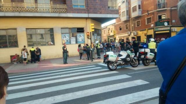 O mașină a intrat într-un grup de pietoni în Zaragoza, Spania
