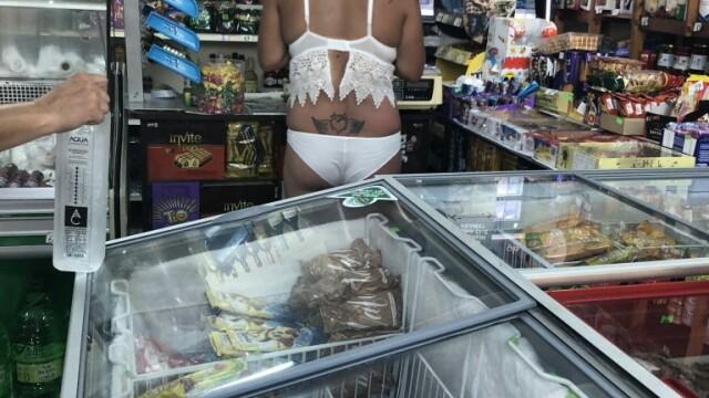 Scena surprinsă într-un magazin de pe litoral. Oripilată, proprietara a făcut poze. FOTO