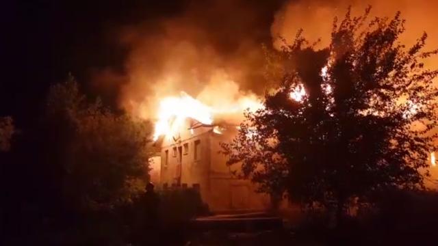 Anchetă în urma incendiului violent la ansamblul de locuințe sociale din Cernavodă